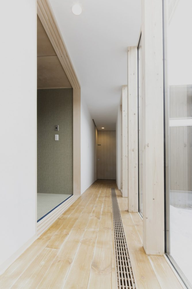 和室側から廊下